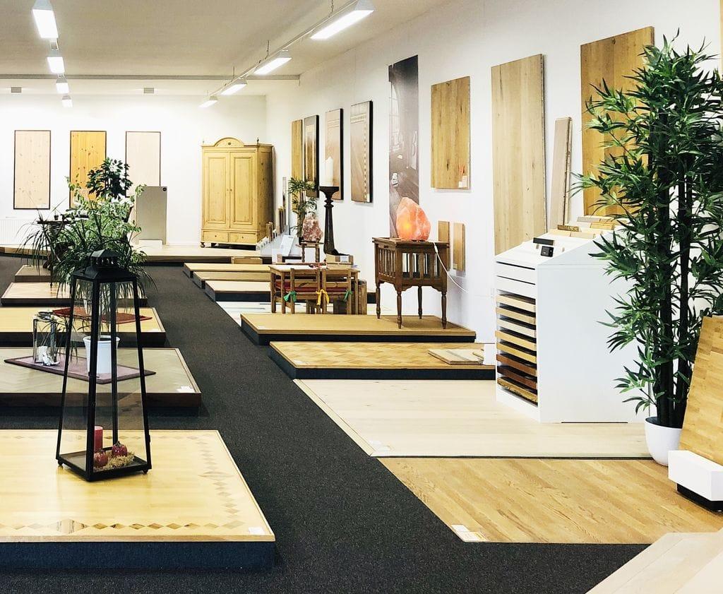 Fußboden Sörensen Ausstellung rechts