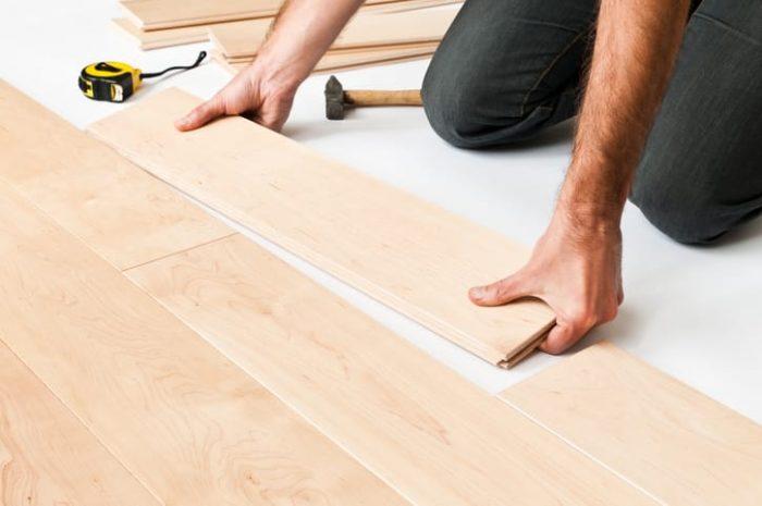 Fußboden aus Ahorn – natürlich elegant.